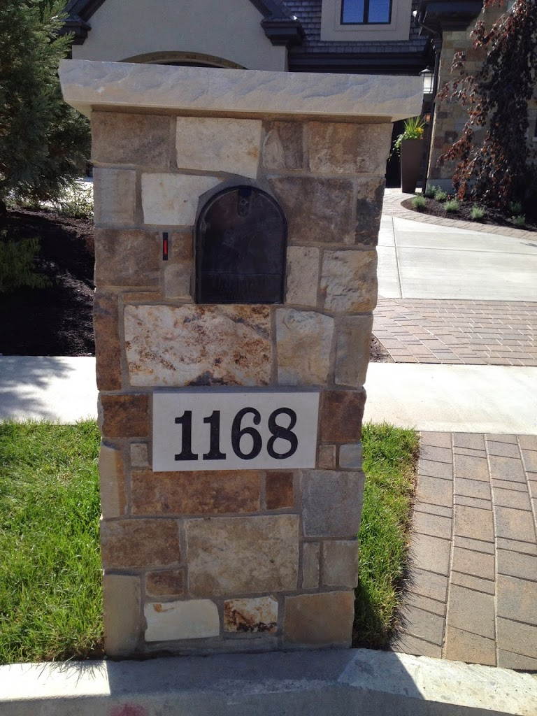 stone mailbox. Are You Wanting Something A Little More Up-to-date And Stylish? Yo Coordinate Your Mailbox With Home? Stone