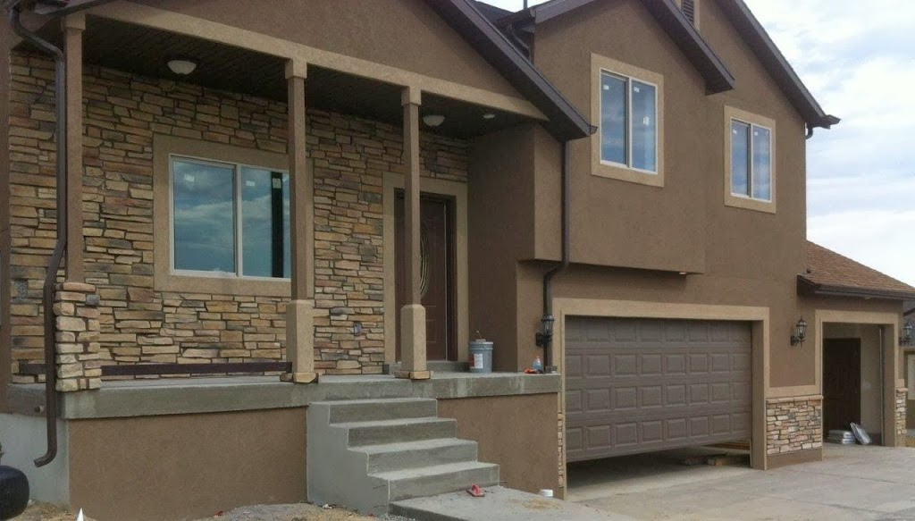 It S Counterpart Photo Below Has A Standard Joint With Darker Chocolate Brown Muddy River Mortar And Stucco The Grout These People