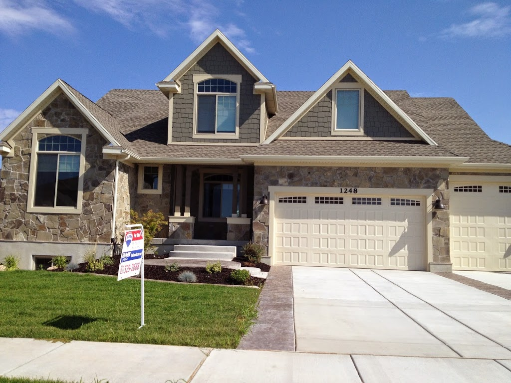Nwhba parade of homes lovely timber mist fieldstone home for Fieldstone house
