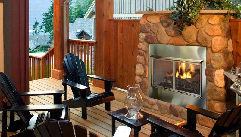Quadra-Fire Outdoor Lifestyles Villa Gas Fireplace