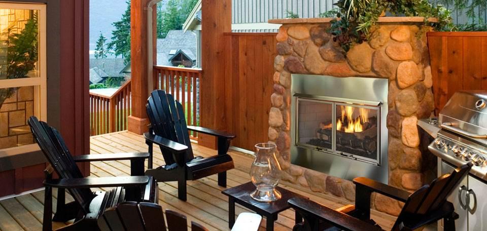 Quadra-Fire Outdoor Lifestyles Villa Gas Fireplace