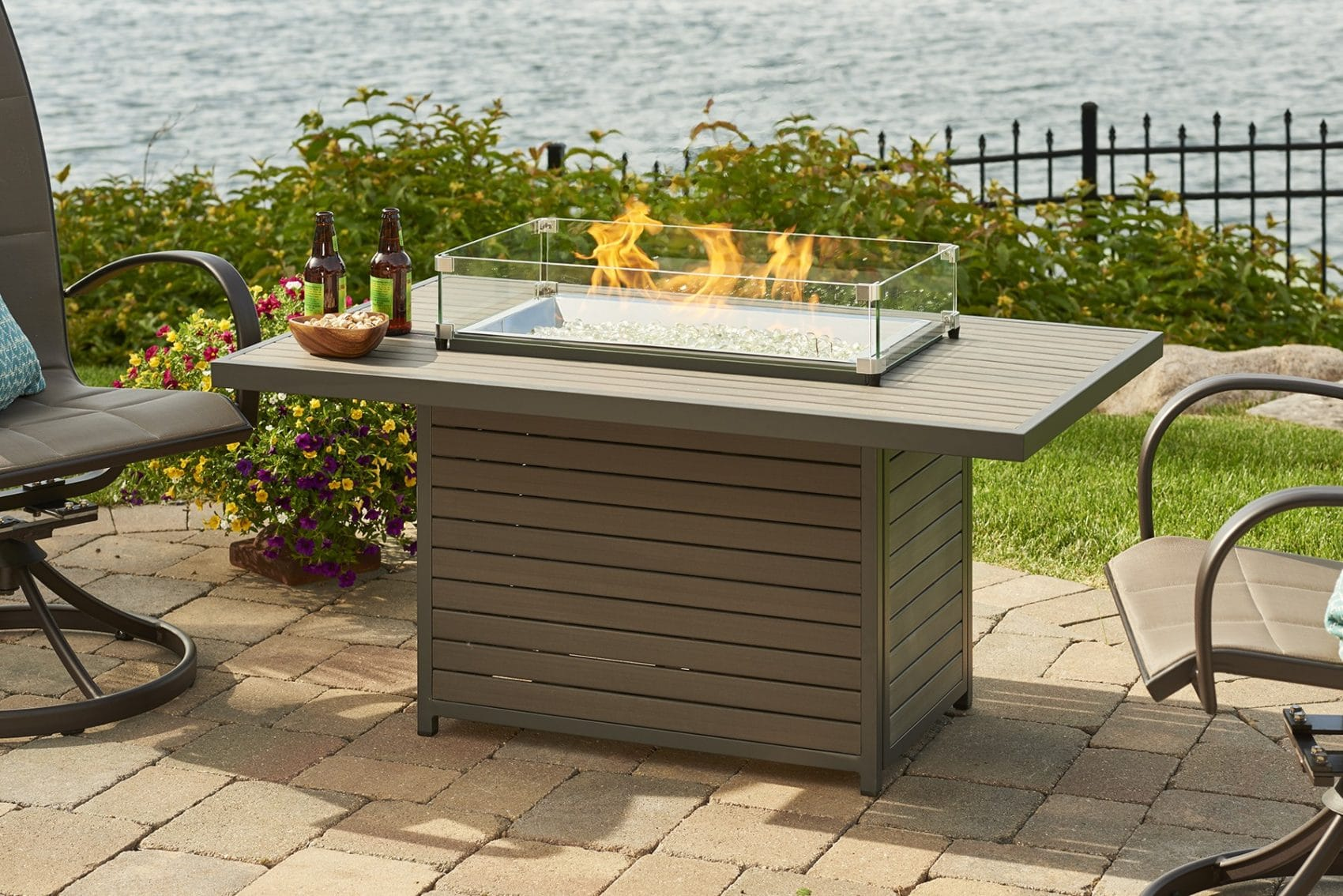 Outdoor greatroom company brooks fire pit table hearth for Great outdoor room company