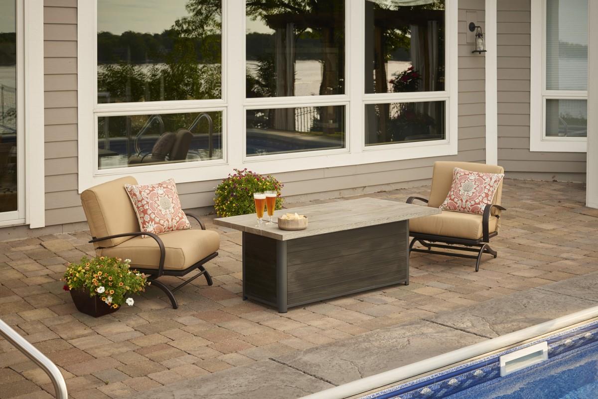 Outdoor greatroom company cedar ridge 1242 linear fire for Great outdoor room company