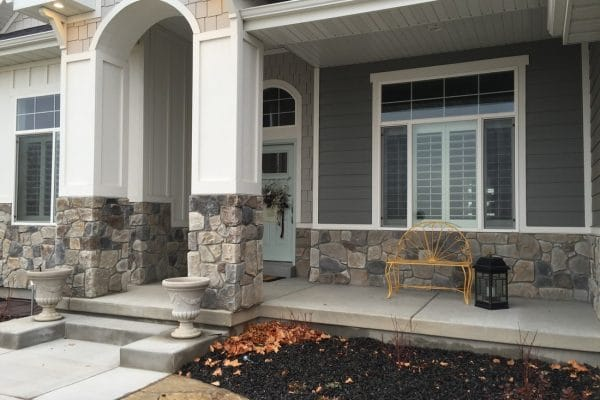 Dressed-Fieldstone-Mix-Echo90-Aspen10-19-Parkside-706-W-3300-N-Pleasant-Grove-600x400
