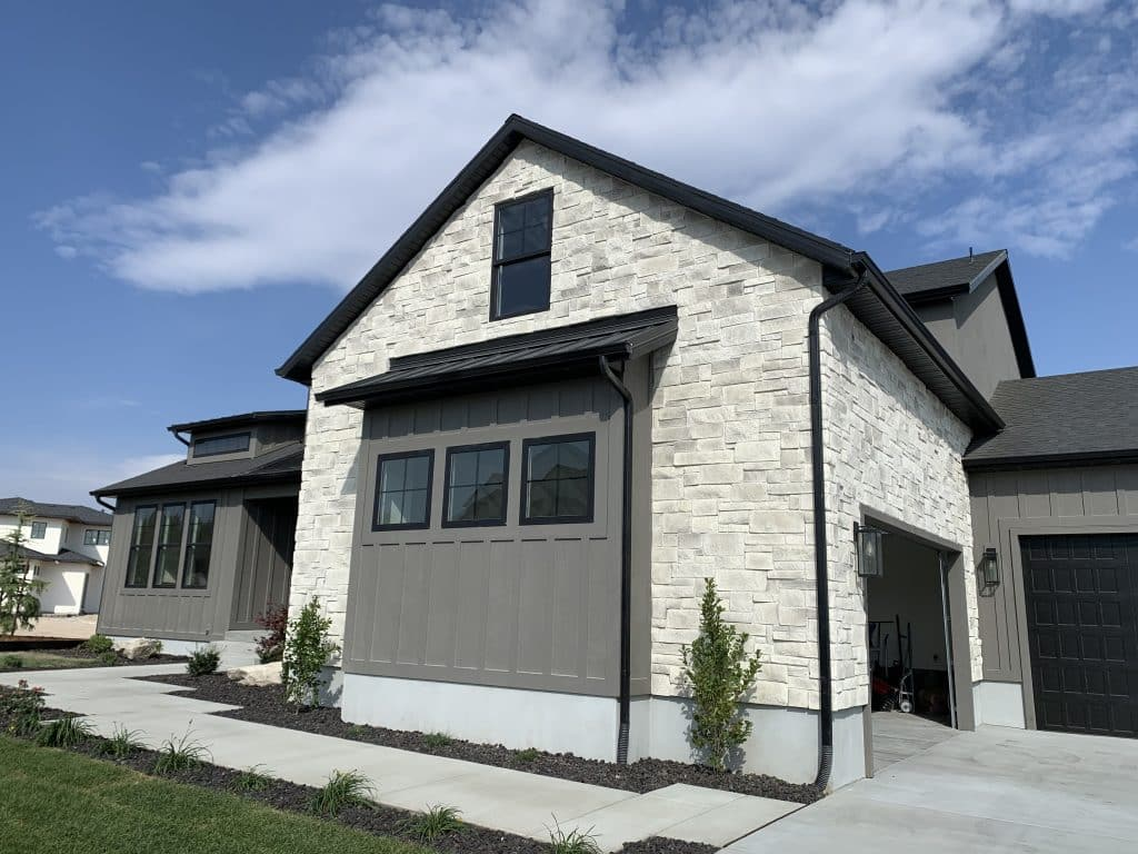 Stone & Brick Trends 2020 Flint Hills Lueders with White Mortar